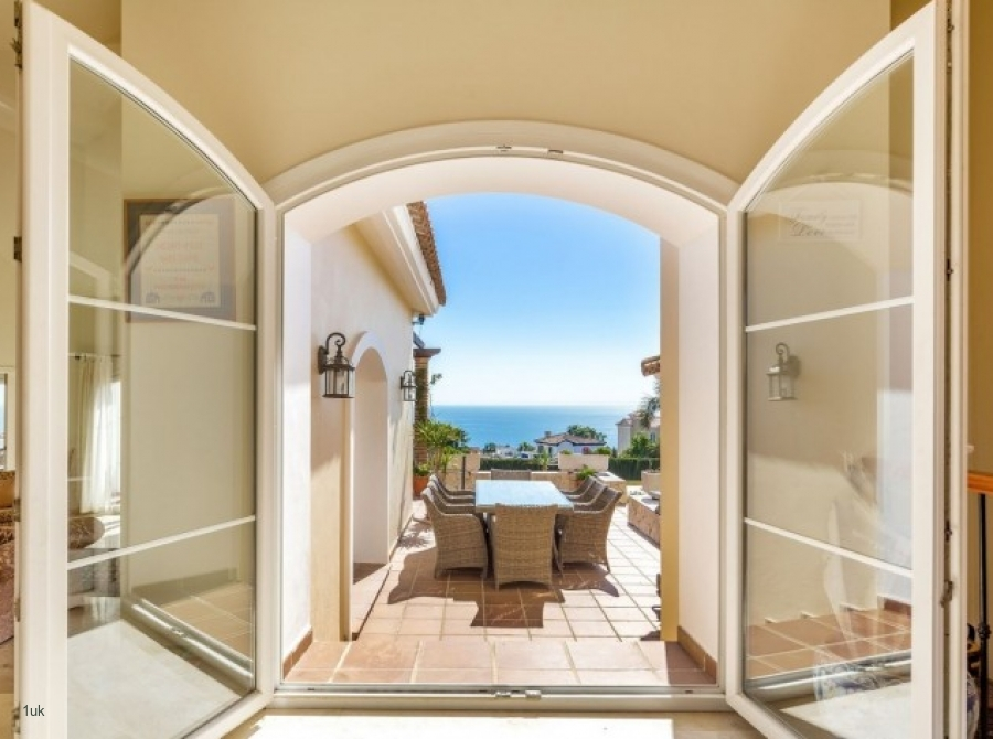 Large glass doors to access the terrace