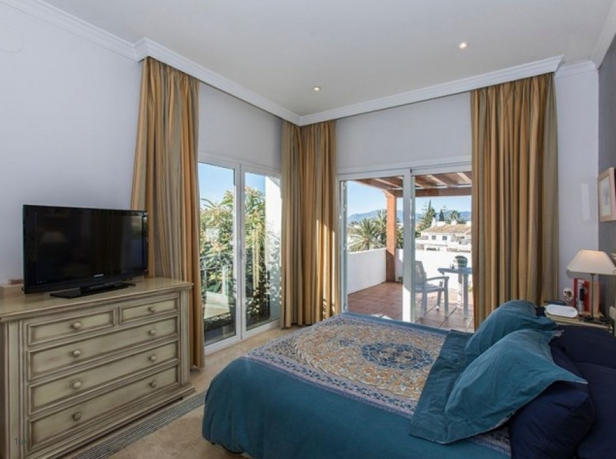 Bedroom with access to outdoor terrace