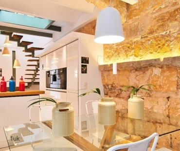 Elegant duplex apartment in the old town of Palma