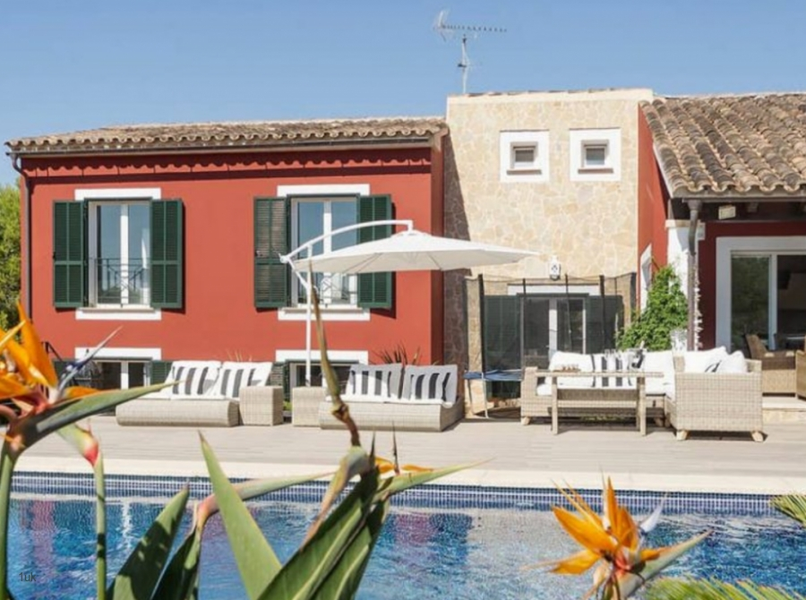 Beautiful villa in Mallorca for sale with holiday rental