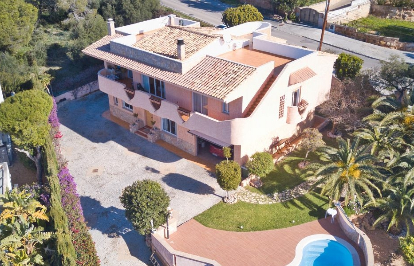 523_drone_view_of_santa_ponsa_villa View this excellent example of a Traditional Spanish Villa in Mallorca 1 home