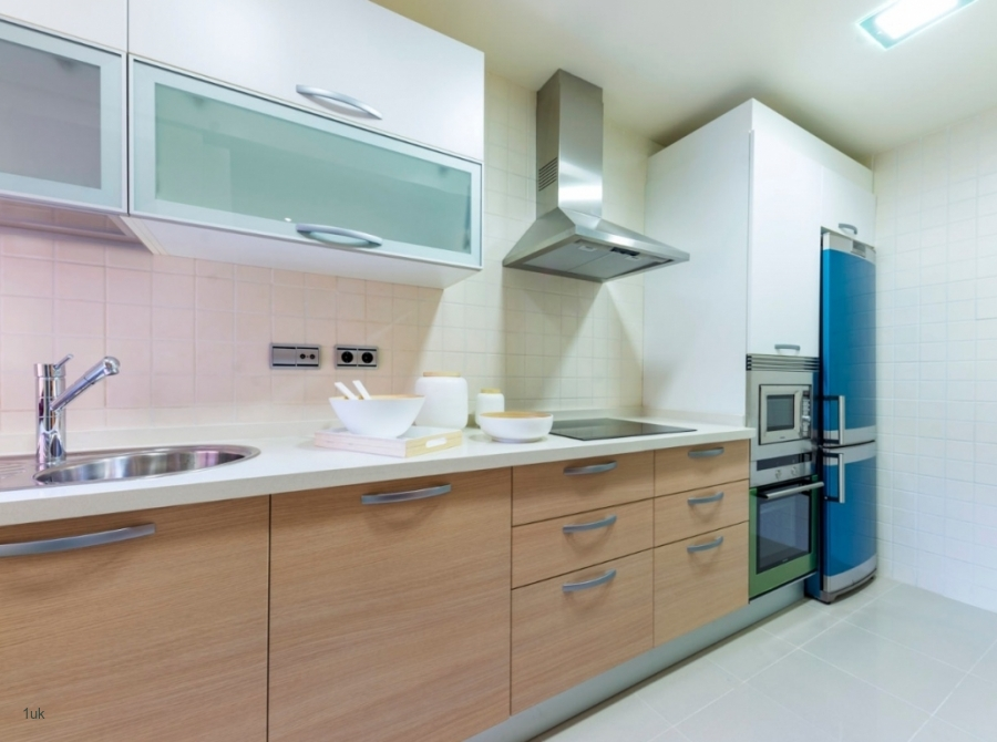 Spacious fully equipped kitchen area